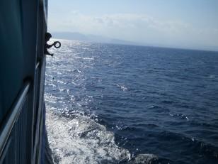 Un pêcheur sur le ferry. Pas sûr que cela morde !