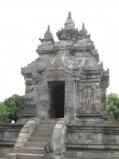 Dans les environs de Borobudur : Le temple de Pawon