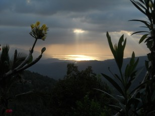 … Sans oublier le coucher de soleil sur Munduk