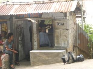 Munduk : Un salon de coiffure…