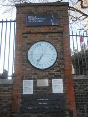 L'horloge qui indique l'heure de Greenwich (GMT)