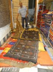 Fès: Un magasin de tapis