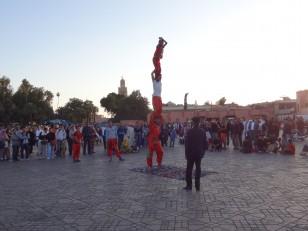 Marrakech : Après 17h, la place Jemaa-el-Fna s'anime