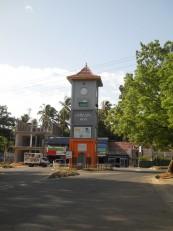 Tissa : La tour de l'horloge, autrement dit le Big Ben sri lankais