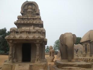 Mahabalipuram : Ce 5e et dernier ratha est consacré à Indra (dieu du ciel et roi de tous les dieux) et son éléphant