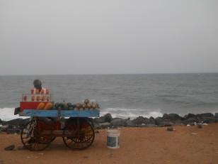 Pondichéry : Un des marchands ambulants le long de la Beach Road