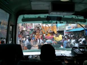 De Pondichéry à Tanjore, nous assistons un événement surprenant