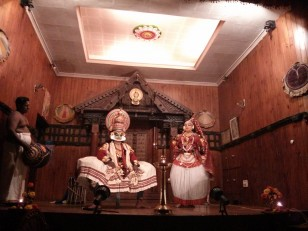 Fort Cochin : Un spectacle de kathakali