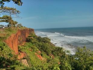 Varkala : La falaise, la Papanasham beach et la mer d'Oman