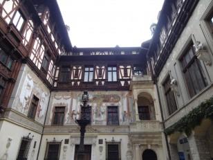 Sinaia : Il fut inauguré en 1883 comme résidence d'été du roi Carol Ier