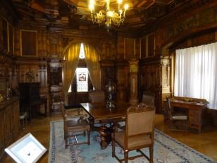 Sinaia : Au total, 170 pièces, parmi lesquelles des bureaux, des salons...