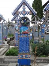 """Săpânța : Le fameux """"cimetière joyeux"""""""