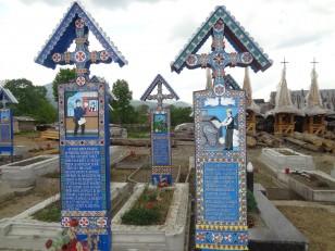 Săpânța : Chacune des 800 tombes représente une partie de la vie ou de la mort des défunts