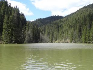 Le lac rouge