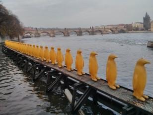 Prague: L'île de Kampa avec ses œuvres issues du musée d'art contemporain
