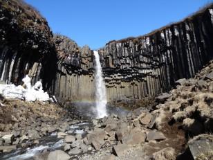 Le Sud de l'Islande : Le parc national de Skaftafell avec sa cascade noire Svartifoss