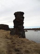Le Nord de l'Islande : Les colonnes de lave d' Höfði, autour du lac Mývatn