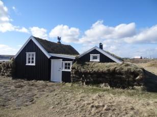 Njardvik : Les maisons traditionnelles restaurées de Stekkjarkot